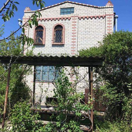 Двухэтажный особняк-дача