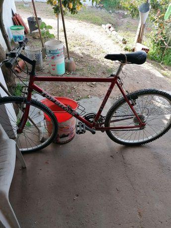 Bicicleta btt usada barata e em bom estado geral quero vender por não