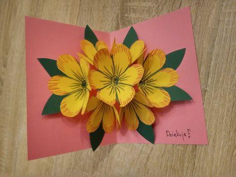 Kartka Rękodzieło piękna z kwiatami dla mamy, babci, nauczyciela