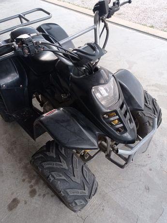 Moto 4 110cc usada