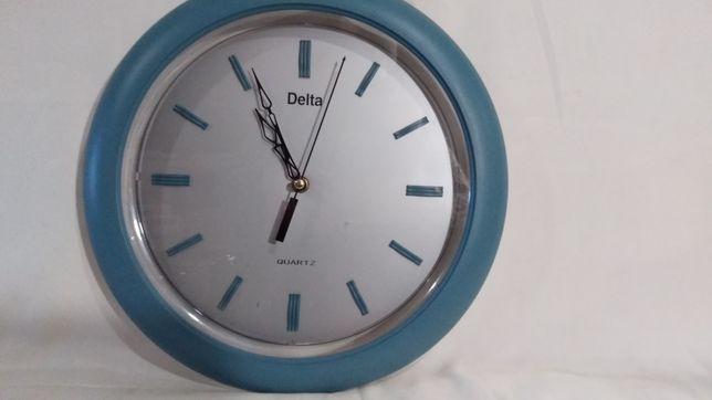 Часы настенные  Delta, кварцевые.