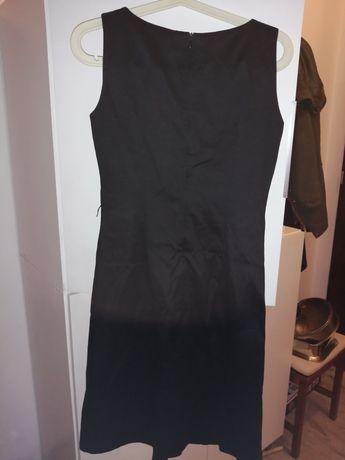 Sprzedam elegancka sukienke mała czarną.