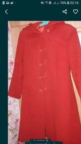 Пальто с капюшоном р46
