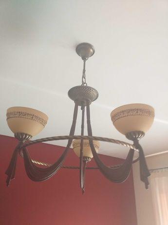 Candeeiro em ferro - estilo clássico