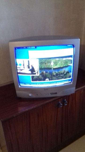 Продам Телевизор LG ; FUNAI ; LG.