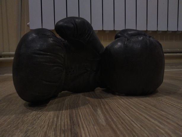 Боксёрские перчатки боксерские