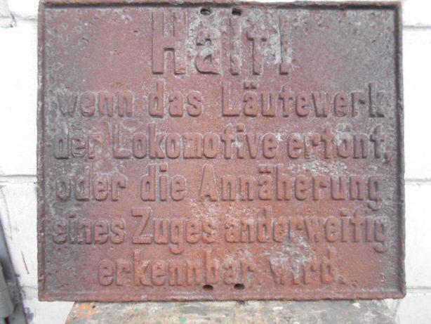 Dworzec kolejowy - Bahnhof, okupacja niemiecka, tablica ostrzegawcza