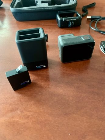 GoPro Hero 6 Black + Karma Grip Gimbal + Cable extension + Ładowarka.