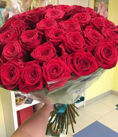 Розы. Букет 23 розы. Красные, белые.  Букеты, доставка цветов. Подарок