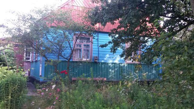 Будинок. Зручне розташування, просторі кімнати. Сад, город.