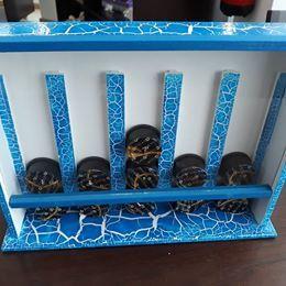 Caixa em madeira pintada para pastilhas delta Q, nova.
