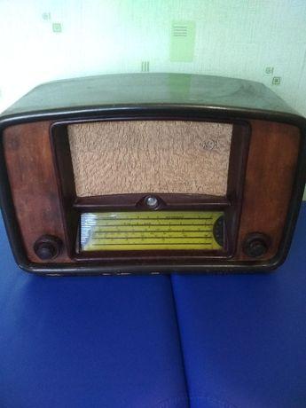 Радио ламповое,рабочее.Раритет.Антиквариат.