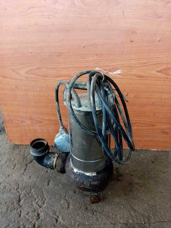 Bomba submersível para águas esgotos em perfeito estado de conservação