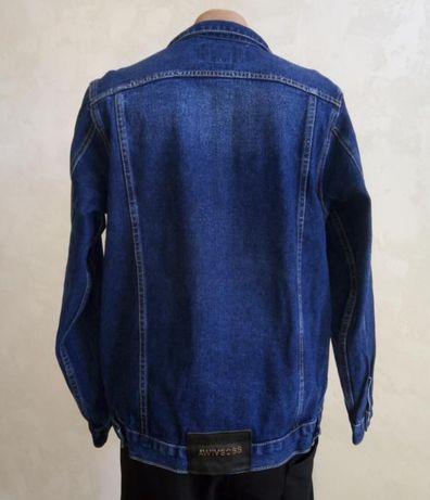 Джинсовая куртка , синяя
