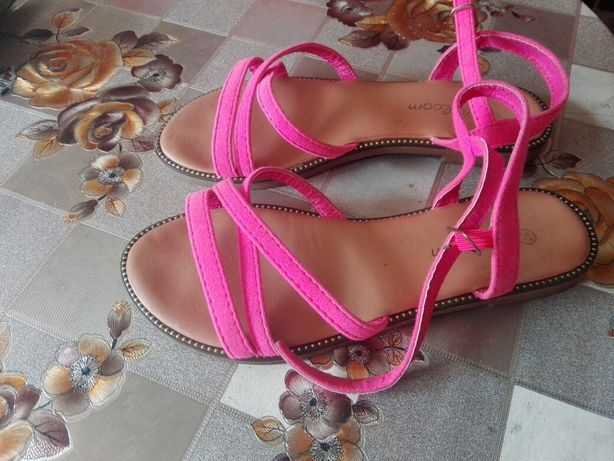 Sandały 37