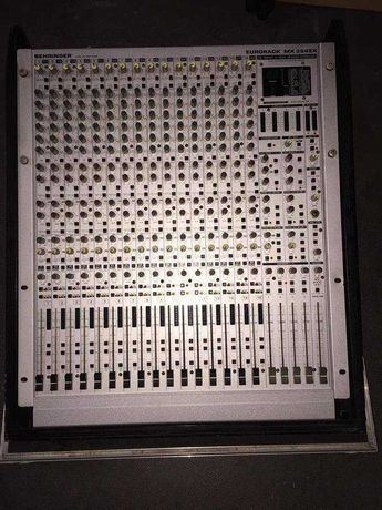 Mesa de mistura Behringer MX 3242X