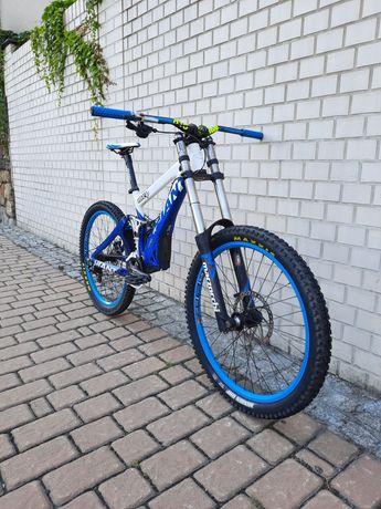 Giant Glory DH/FR / Marzocchi 380 / Fox / NOWE