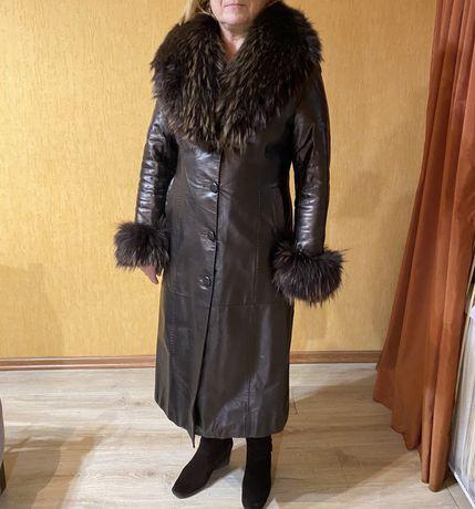 Женское натуральное пальто плащ из натуральной кожи и меха