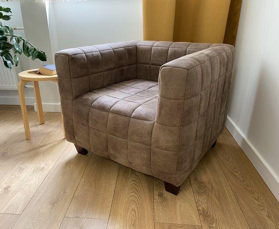 Zamszowy fotel