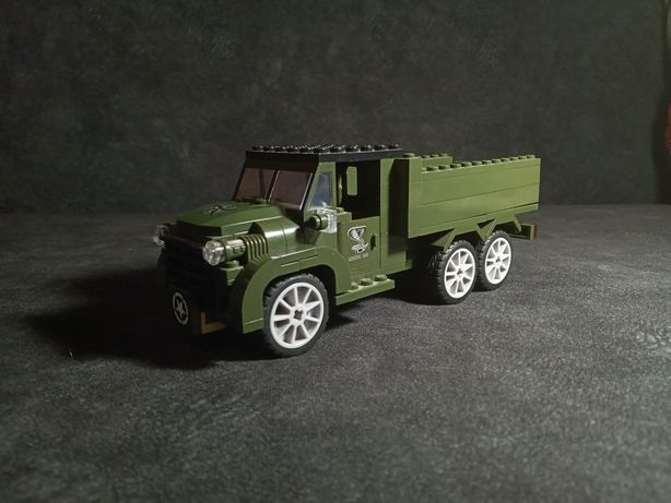 Лего машина воєнна Brick