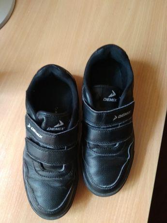 Слипоны, туфли, кроссы.