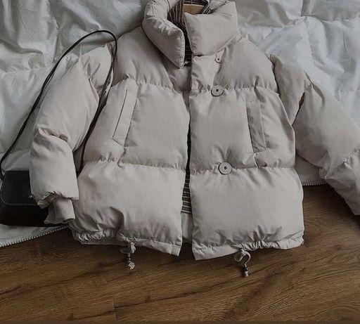 Тёплая курточка, молочного цвета