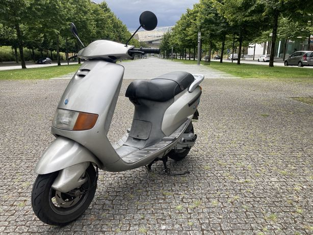 Scooter 125 piaggio impecavel