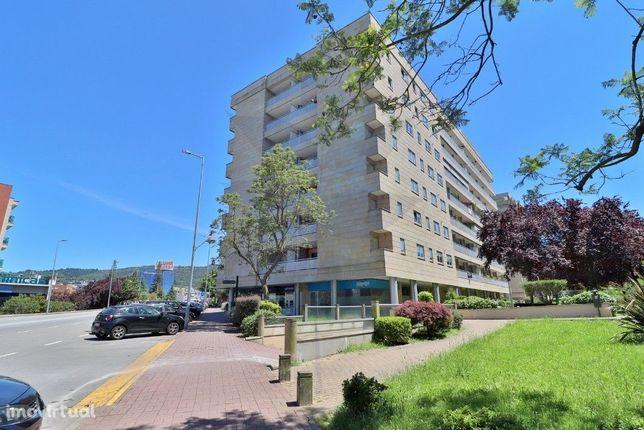 Vende-se apartamento T4+1 - Empreendimento Domus Qualitas - Fraião