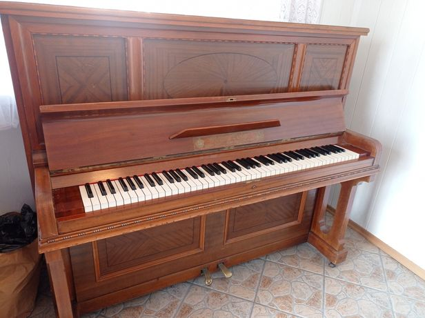 Zabytkowe Pianino Bogs&Voigt