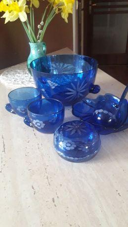 Kobaltowe szklo niebieskie prl waza zestaw