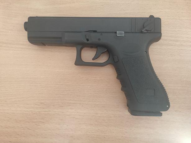 Пистолет на пульках (копия Glock-17)