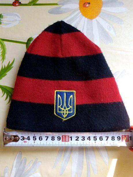 Продам шапочку на мальчика 7-8 лет осень