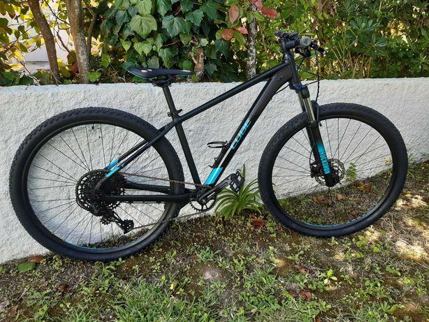 Bicicleta BTT Cube Analog 17/29
