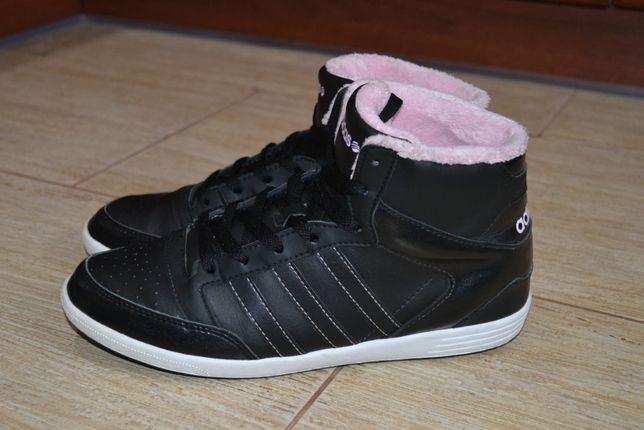 Adidas 40р кроссовки сникерсы ботинки демисезон.