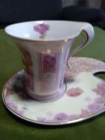 Filiżanka porcelanowa sygnowana