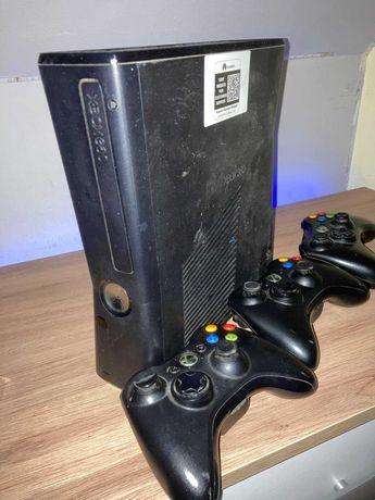 Xbox 360, z grami     +3 pady