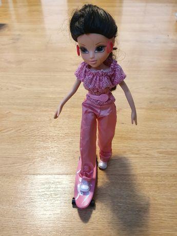 Lalka na deskorolce barbie