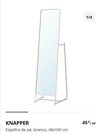Espelho de pé branco
