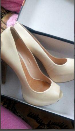 Кожаные туфельки Aldo