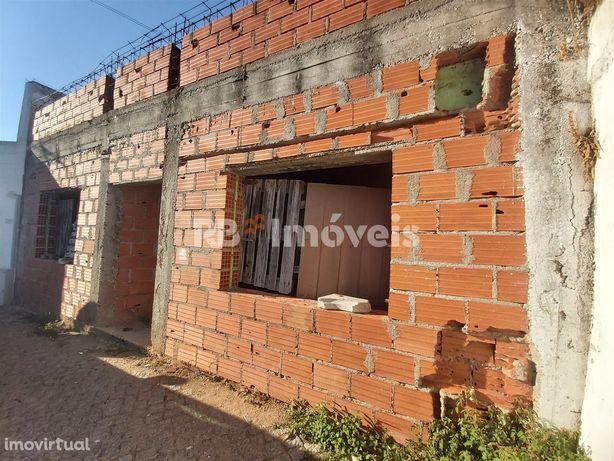 Moradia T2 em construção - Vila Nova da Barquinha