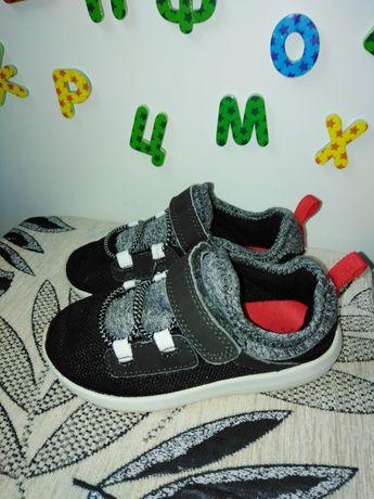 Кросівки carters 26 розмір