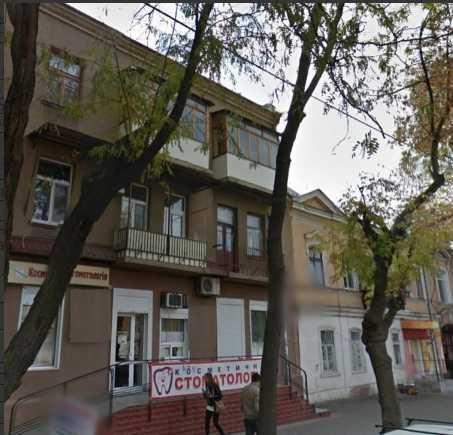 Продам 3-х комнатную сталинку в районе Нового Базара Л4