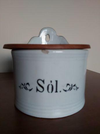 Solniczka stara 1922.r. 1936 r.CHODZIEŻ porcelana wisząca