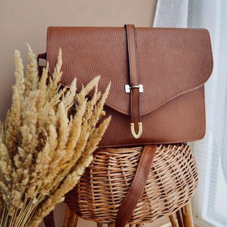 Якісна сумочка з екошкіри. Мінімалістичний стиль