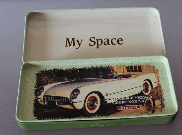 """Estojo metálico """"My Space"""""""