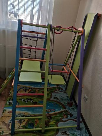 Детский деревянный игровой уголок