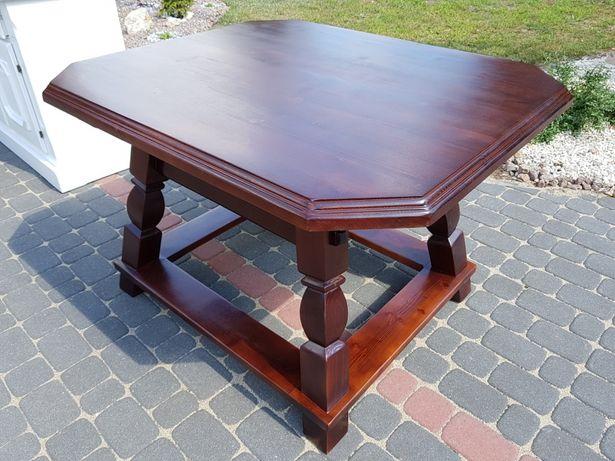 Piękny stół drewniany