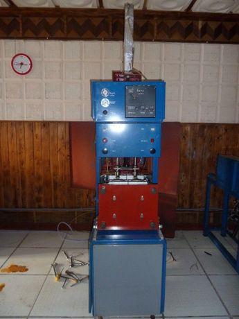 Выдувная машина+печь+компрессор+прессформы