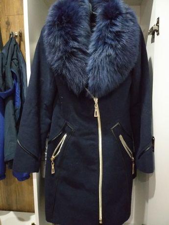 Срочно продам пальто драповое