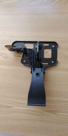 Крюк захватный замок капота Audi a4 b8 audi a5 8T0823480